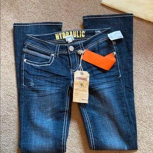 Hydraulic curvy slim boot Jean